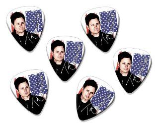 Tom DeLonge Blink 182 6 X Loose guitar Picks ( Flag Design ): Musical Instruments