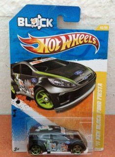 Hot Wheels 2012 84/247  Muscle Mania Mopar '12 4/10   '69 Dodge Coronet Super Bee: Toys & Games